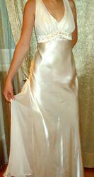 Вечернее платье жемчужного цвета .разм 44