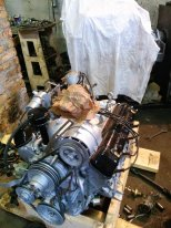 Двигатель  ЗМЗ- 41  ,  снятый