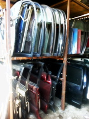 Крупный склад запчастей на Hilux Surf 130.185.