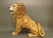 Огромный фарфоровый лев из Италии.